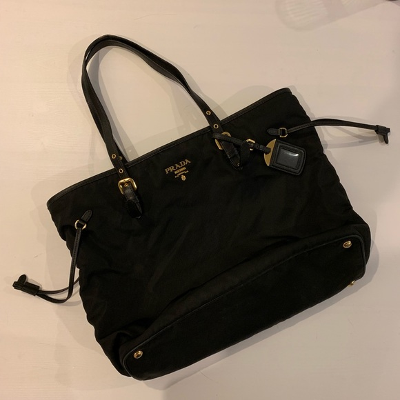 de863773e6d Prada Bags   Reduced Tote Bag   Poshmark